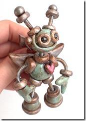 robot brooch3